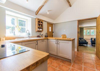 Atherstone_Farm_Cottage_kitchen