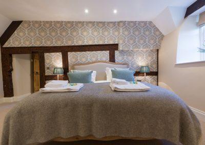 Orchard_Cottage_001b_master_luxury_accommodation