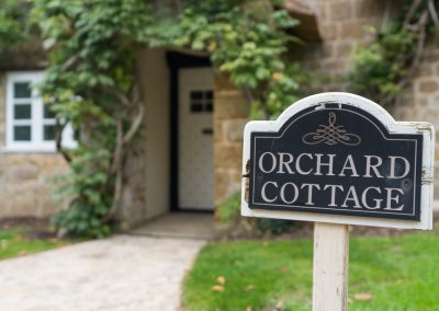 Orchard_Cottage_001c_garden_sign