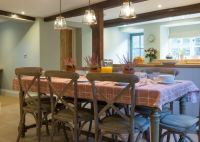 Orchard_Cottage_28_kitchen_table