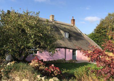 Orchard_Cottage_42_garden_autumn_sunshine