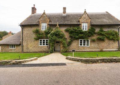 Orchard_Cottage_43_garden_hamstone_facade